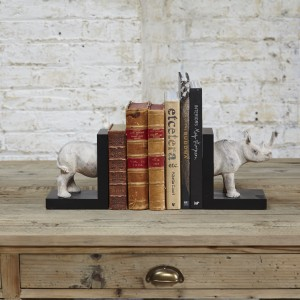 4-ways-to-organise-your-books-7