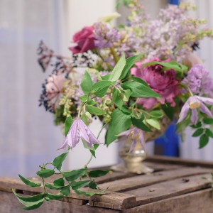 Arranging summer flowers with jay Archer