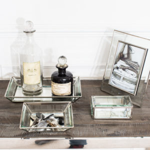 Dressing table with glass trays