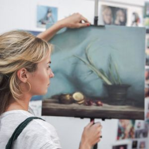 Artist Lara Robinson